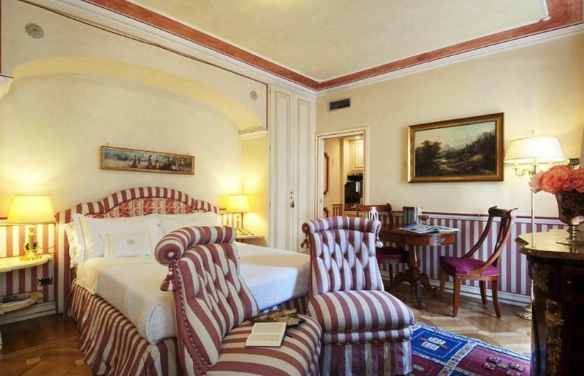 the vanderlust petit palais hotel de charme. Black Bedroom Furniture Sets. Home Design Ideas