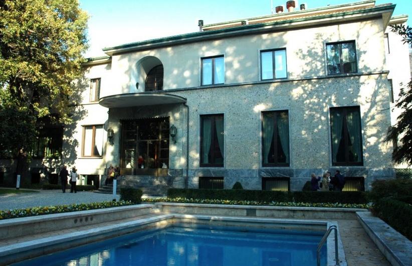 The vanderlust villa necchi campiglio for Villa mozart milano